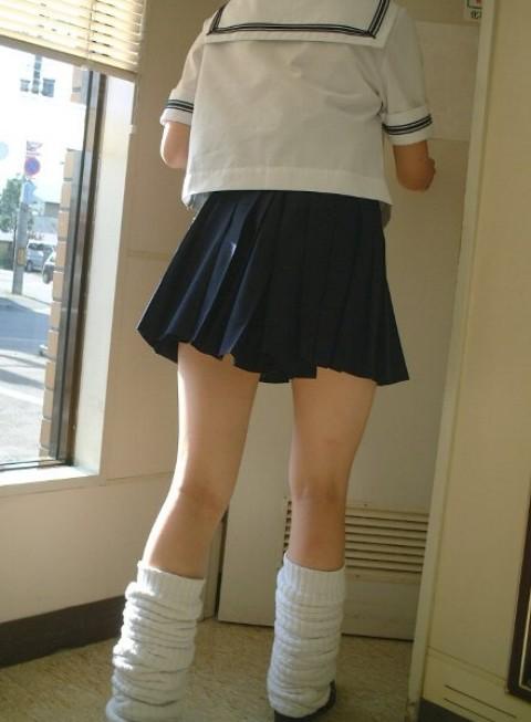 【エロ画像】ルーズソックスで脚組みしてるJKのドヤ感は異常! 38枚 No.6