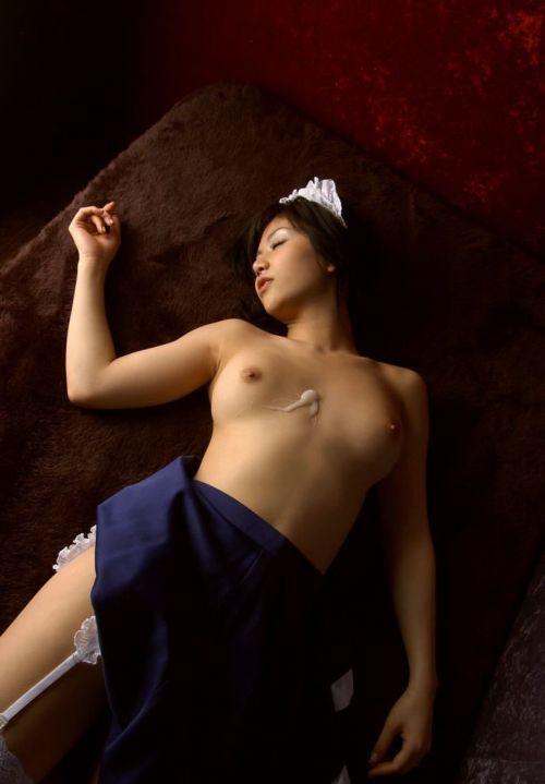 可愛い女の子がザーメンをコンドームや体から事後処理するエロ画像 39枚 No.23