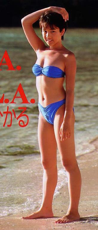 水着姿のマンスジを見せつける女の子のエロ画像だけまとめたった 37枚 No.2
