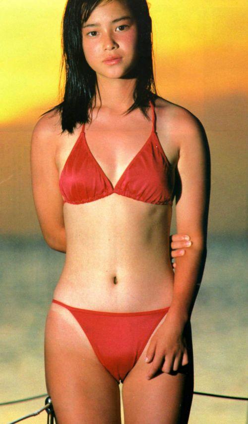 水着姿のマンスジを見せつける女の子のエロ画像だけまとめたった 37枚 No.16