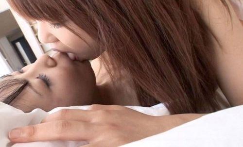 レズな女の子が裸でキスするのが美しいエロ画像! 34枚 No.15