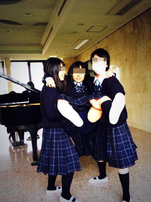 女子高生のおふざけ画像がエロ過ぎてシコれる件www 37枚 No.19