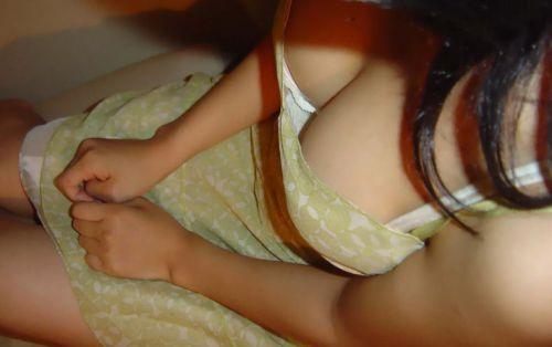 【画像】巨乳のお姉さんてちょっと上から盗撮したらすぐ胸チラするよな 41枚 No.30