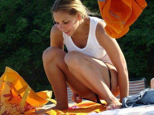 【盗撮画像】ヌーディストビーチでマンコも日焼けしちゃう外国人女性達! 39枚 No.18