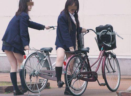 【盗撮画像】パンチラ当たり前!ミニスカで自転車にまたがるJK! 35枚 No.8