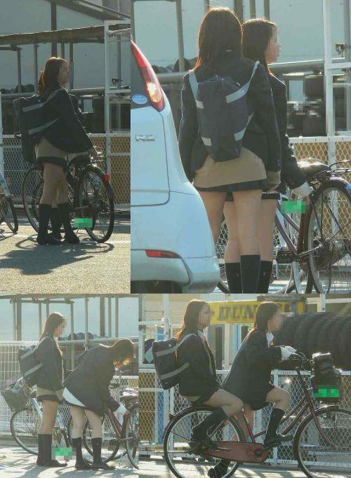 【盗撮画像】パンチラ当たり前!ミニスカで自転車にまたがるJK! 35枚 No.23