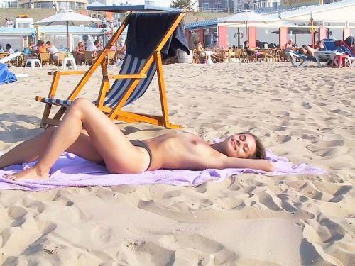 【盗撮画像】美女達の日焼け跡がエロ過ぎ!海外ヌーディストビーチ! 37枚 No.7
