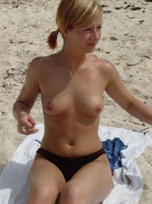 【盗撮画像】美女達の日焼け跡がエロ過ぎ!海外ヌーディストビーチ! 37枚 No.32