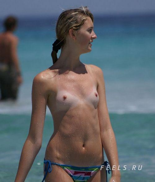 【盗撮画像】美女達の日焼け跡がエロ過ぎ!海外ヌーディストビーチ! 37枚 No.34