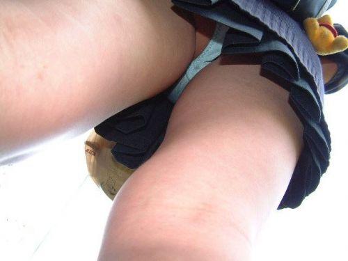 JKのミニスカ内のおパンツが鮮やかに盗撮されたエロ画像! 39枚 No.21