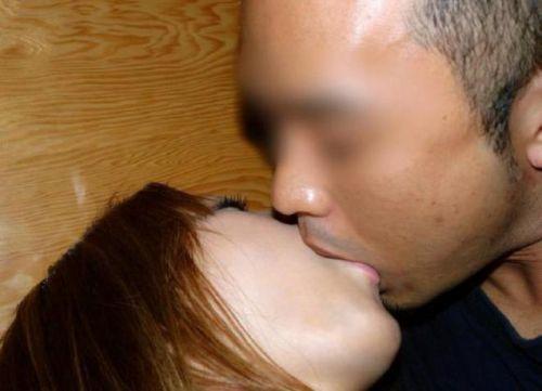 熟女がセックスでディープキスしてるのが生々しくてエロ過ぎる! 53枚 No.22