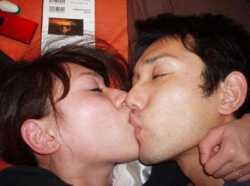 熟女がセックスでディープキスしてるのが生々しくてエロ過ぎる! 53枚 No.23
