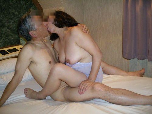 熟女がセックスでディープキスしてるのが生々しくてエロ過ぎる! 53枚 No.53
