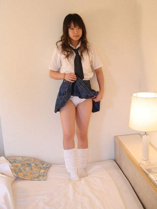 【画像】JKがパンティと美脚を見せつけてくるエロ画像! 37枚 No.10