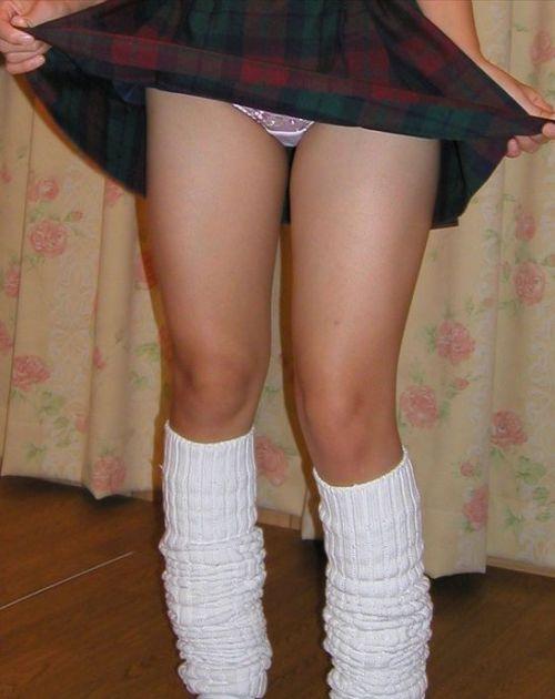 【画像】JKがパンティと美脚を見せつけてくるエロ画像! 37枚 No.4