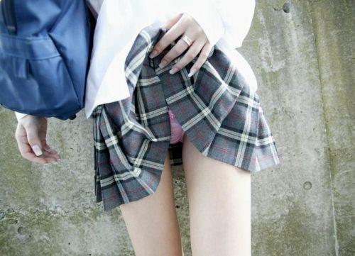 【画像】JKがパンティと美脚を見せつけてくるエロ画像! 37枚 No.9