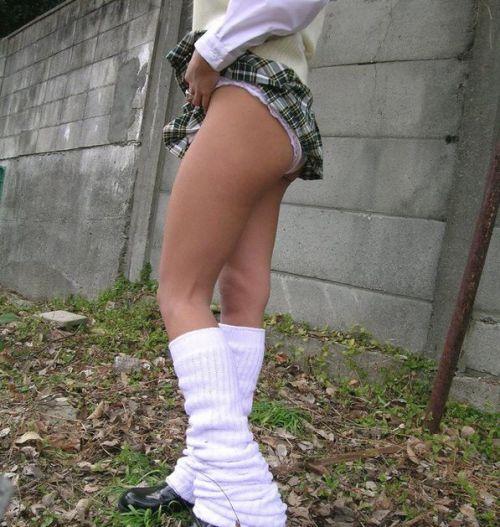 【画像】JKがパンティと美脚を見せつけてくるエロ画像! 37枚 No.13