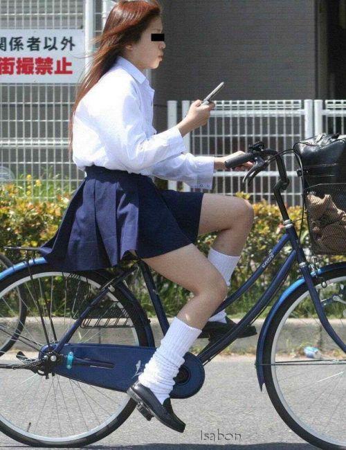 【盗撮画像】自転車に乗ってるJKのパンチラ率! 45枚 No.2