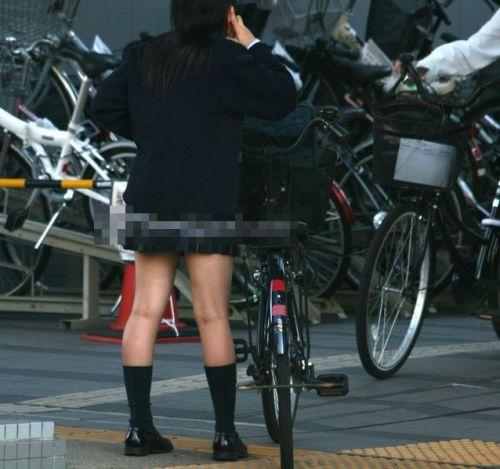 【盗撮画像】自転車に乗ってるJKのパンチラ率! 45枚 No.10