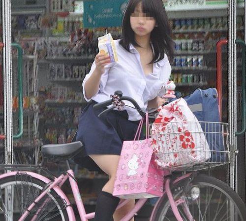 【盗撮画像】自転車に乗ってるJKのパンチラ率! 45枚 No.14