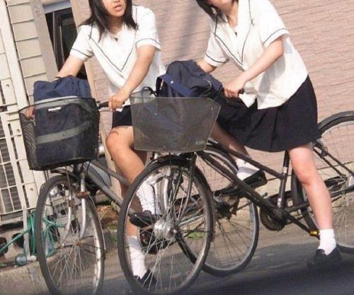 【盗撮画像】自転車に乗ってるJKのパンチラ率! 45枚 No.26