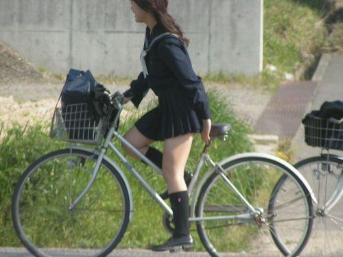 【盗撮画像】自転車に乗ってるJKのパンチラ率! 45枚 No.29