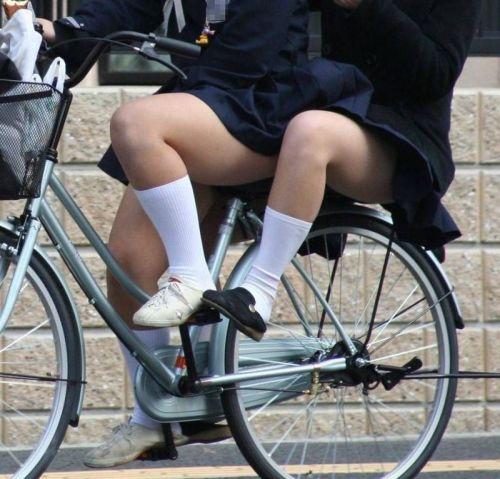 【盗撮画像】自転車に乗ってるJKのパンチラ率! 45枚 No.34