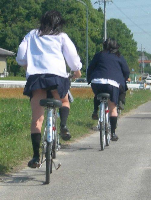 【盗撮画像】自転車に乗ってるJKのパンチラ率! 45枚 No.35
