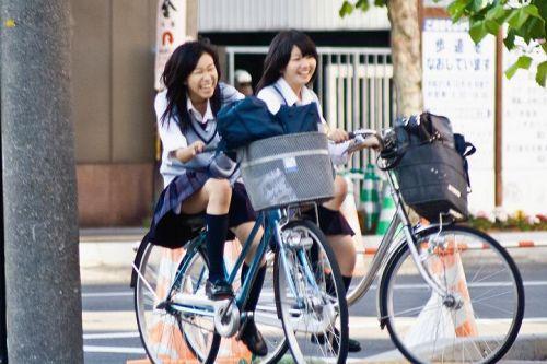 【盗撮画像】自転車に乗ってるJKのパンチラ率! 45枚 No.38