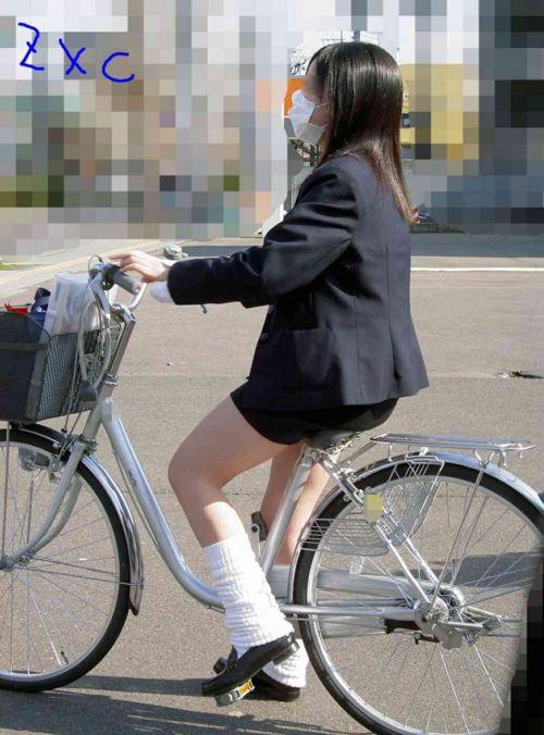 【盗撮画像】自転車に乗ってるJKのパンチラ率! 45枚 No.39