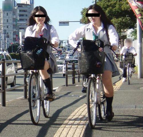 【盗撮画像】自転車に乗ってるJKのパンチラ率! 45枚 No.41