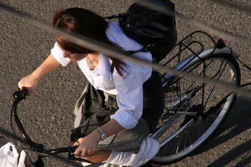 【盗撮画像】自転車に乗ってるJKのパンチラ率! 45枚 No.42