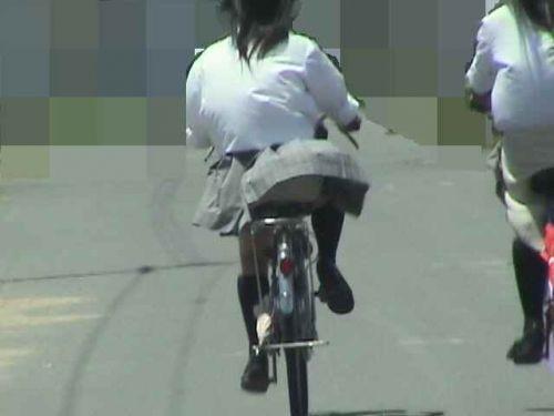 【盗撮画像】自転車に乗ってるJKのパンチラ率! 45枚 No.43