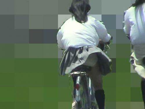 【盗撮画像】自転車に乗ってるJKのパンチラ率! 45枚 No.44