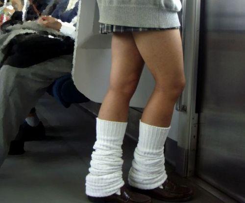 スラっと伸びる制服JKの美脚がエロでフレッシュな盗撮画像! 38枚 No.4