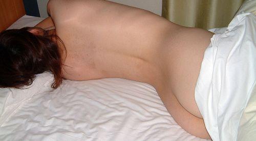 【盗撮】真っ白なお尻を丸出しで寝てる女の子のエロ画像まとめ 36枚 No.31