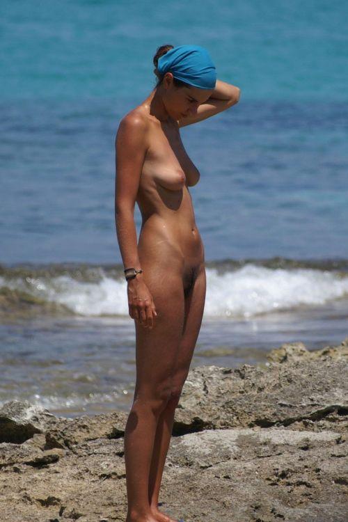 ヌーディストビーチで外国人のデカパイを収穫するおっぱい祭り画像 39枚 No.7