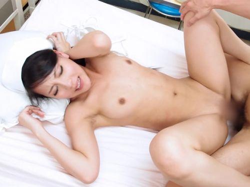 無毛マンコに挿入する正常位セックスのエロ画像 35枚 No.1