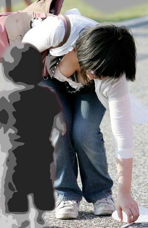 【盗撮エロ画像】デッカイおっぱいの女の子の巨乳胸チラまとめ 44枚 No.3