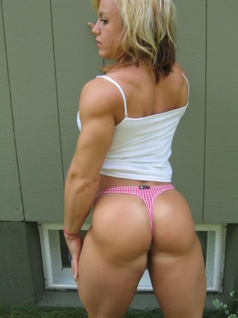 筋肉を鍛えてる外人女性が自慢の肉体を見せつけてくるエロ画像 35枚 No.9