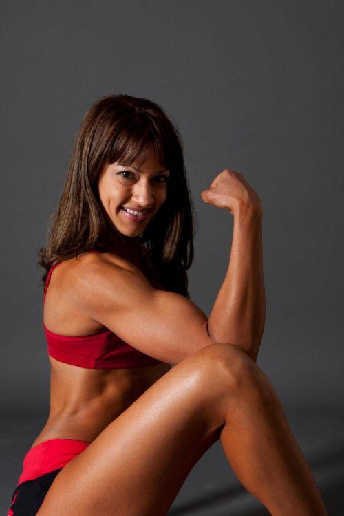 筋肉を鍛えてる外人女性が自慢の肉体を見せつけてくるエロ画像 35枚 No.29