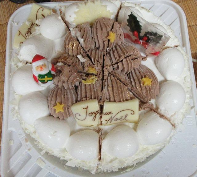 クリスマスケーキの試食 27.11.13