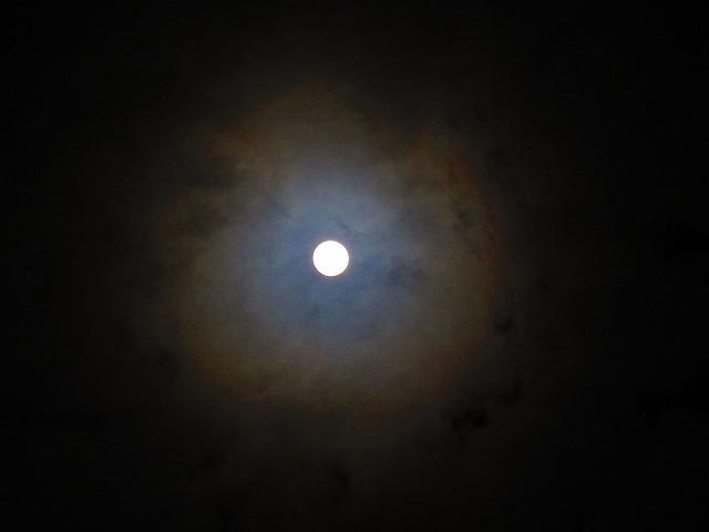 満月の月暈 28.2.23夜