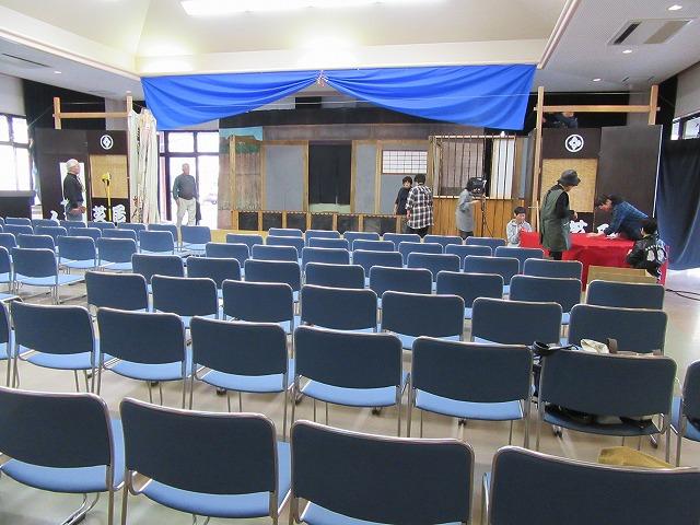 客席も椅子を並べてOK 27.11.22