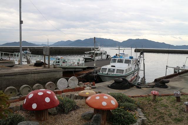 きのこと粟島港 28.3.6