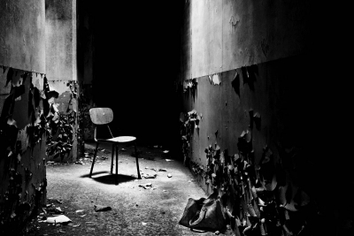 誰も座らない椅子