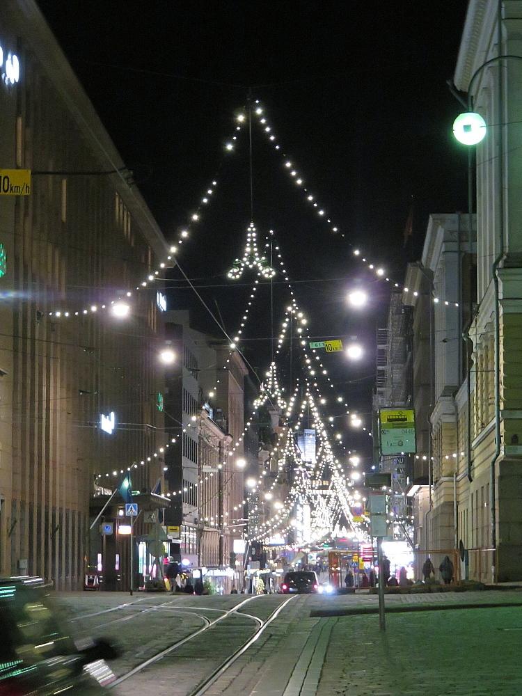 フィンランド ヘルシンキ Aleksanterinkatu クリスマスライト