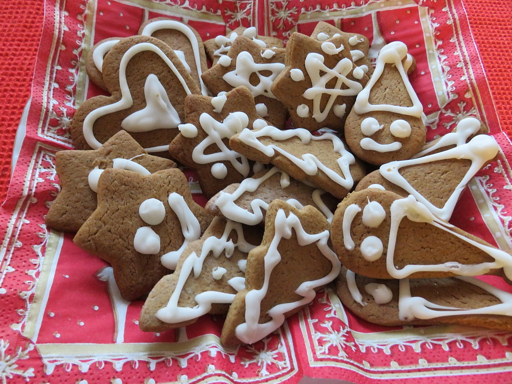 Joulu kahvipöytä Joulupiparit フィンランド クリスマス お茶菓子 クリスマスクッキー
