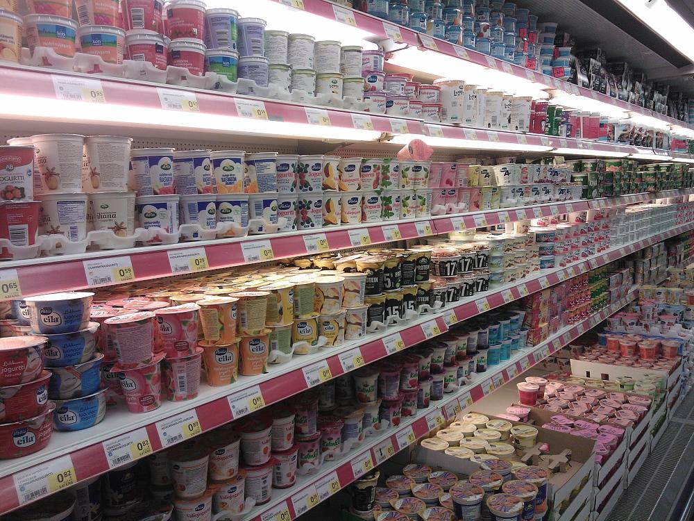 フィンランド スーパー 乳製品 ヨーグルト