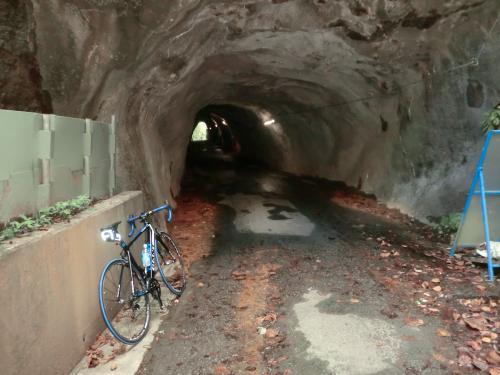 渡辺町の素掘りトンネル・4